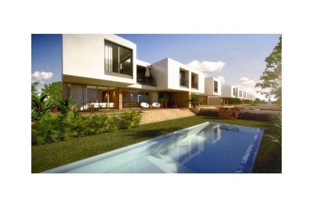 Thumbnail Semi-detached house for sale in Queluz E Belas, Queluz E Belas, Sintra
