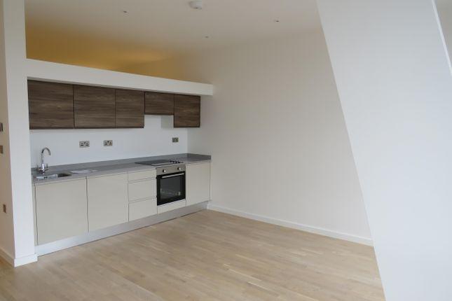 Studio to rent in High Road, Broxbourne EN10