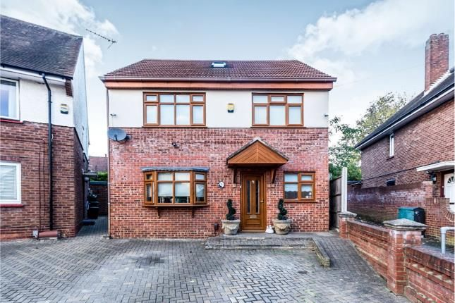 Thumbnail Detached house for sale in Collier Row, Romford, Havering