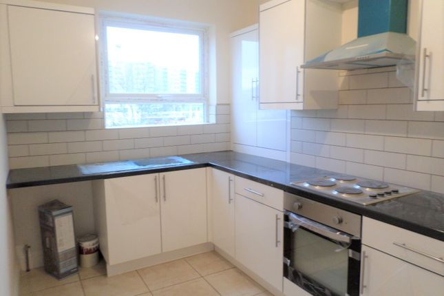 Thumbnail 1 bed flat to rent in Flat A, 194 High Street, Hounslow