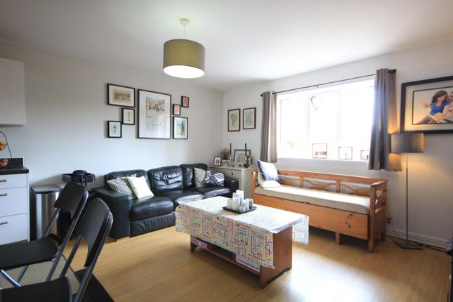Living Room of George Palmer Close, Reading RG2