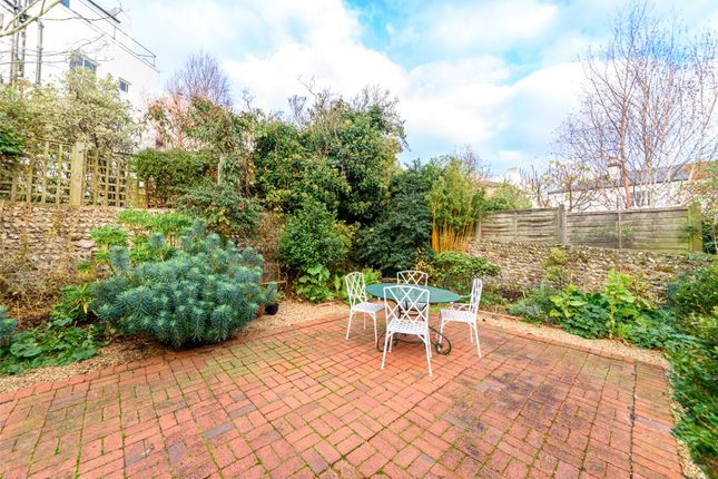 Thumbnail Terraced house for sale in Victoria Road, Brighton
