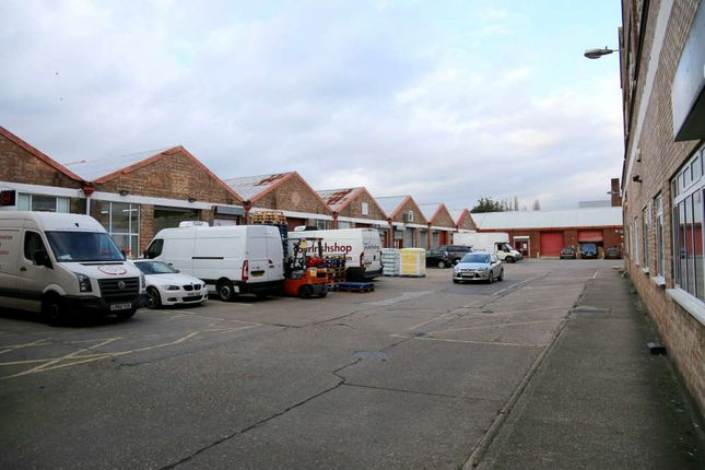 Thumbnail Industrial to let in Quad Road, Wembley, London
