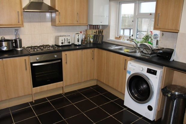 Flat to rent in Bevois Valley Road, Southampton