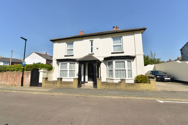 4 bedroom detached house for sale in West View, Newport