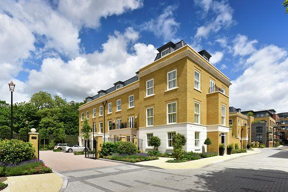 Thumbnail Town house for sale in Brewery Gate, Twickenham