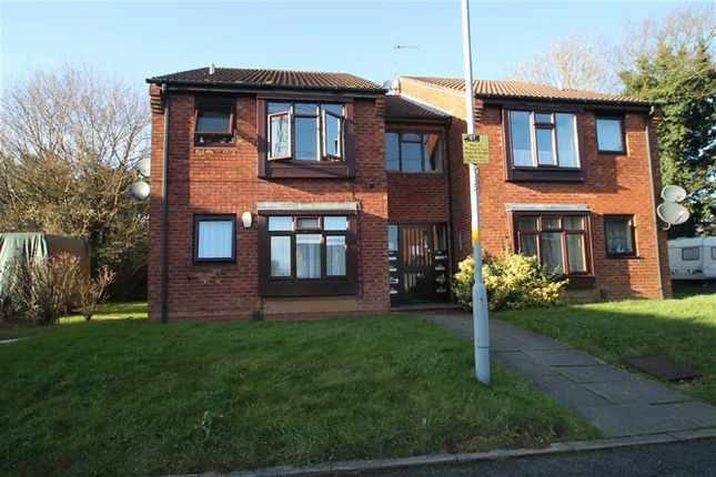 Thumbnail Flat for sale in Nailers Close, Quinton