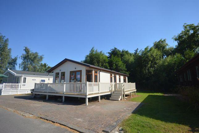 Thumbnail Mobile/park home for sale in Chichester Lakeside Park, Vinnetrow Road, Runcton, Chichester