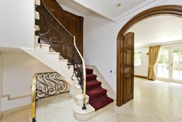 Thumbnail Property to rent in St Anselms Place, Mayfair, London