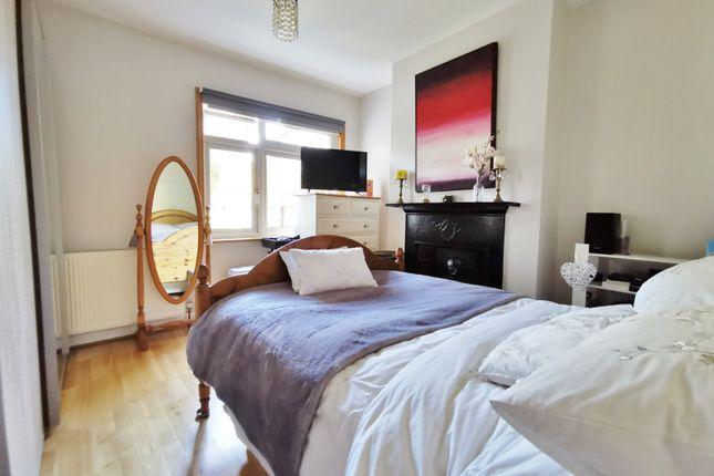 Bedroom of Oakleigh Road North, London N20