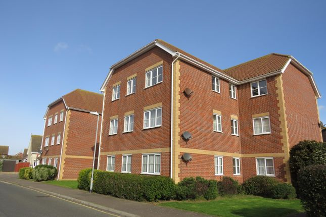 Thumbnail Flat to rent in Weymouth Close, Clacton-On-Sea