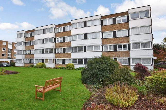 Thumbnail Flat for sale in Queenswood Gardens, London