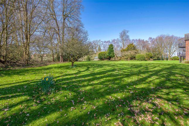 Picture No. 14 of Jacaranda House, Woburn Hill Park, Woburn Hill, Surrey KT15