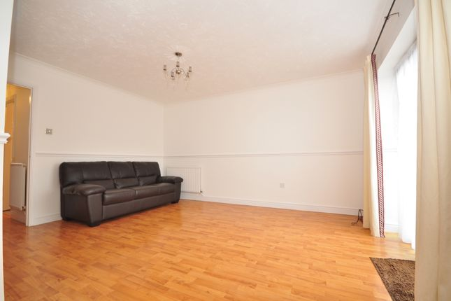 3 bed semi-detached house to rent in Terence Webster Road, Wickford SS12