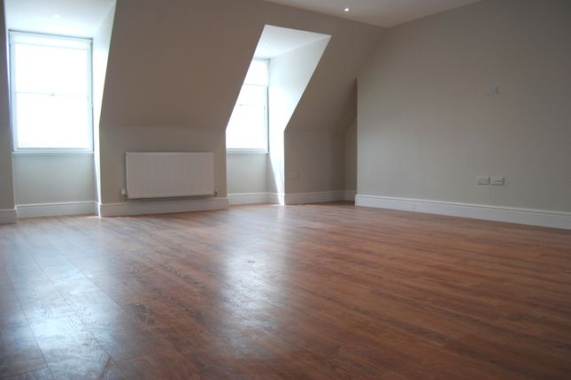 Thumbnail Flat to rent in High Street, Chelmsford