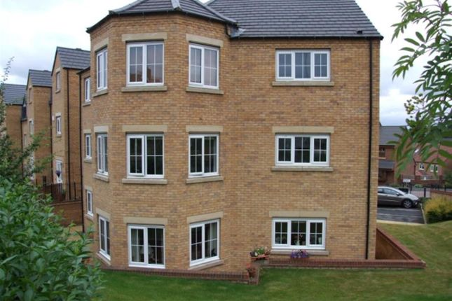 Thumbnail Flat to rent in Post Hill Gardens, Pudsey