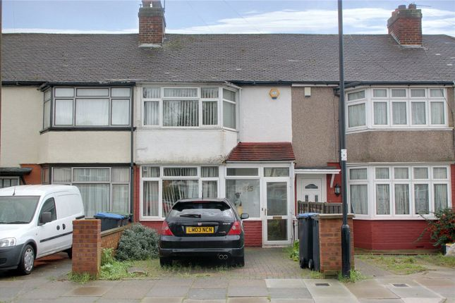 Thumbnail Terraced house for sale in Chatsworth Drive, Enfield