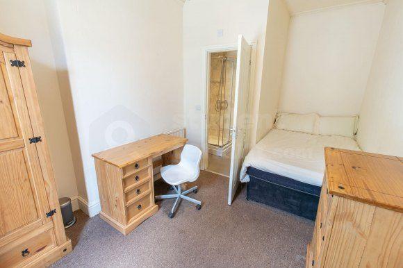 Room 6(2) of Holyhead Road, Bangor, Gwynedd LL57