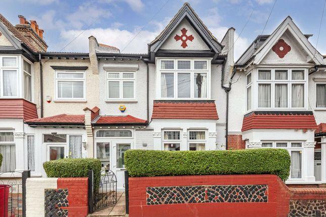 Thumbnail Property to rent in Mandrake Road, London