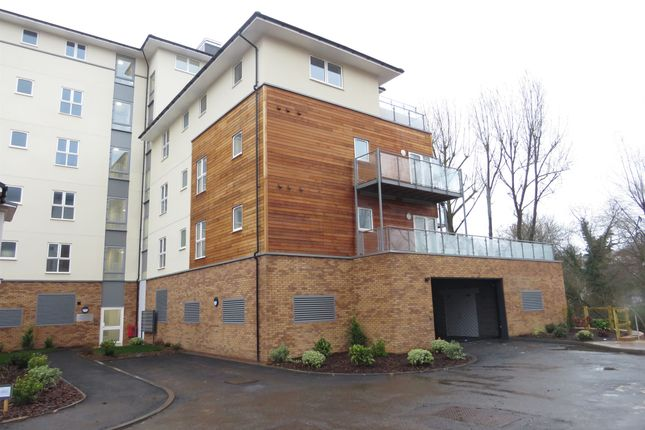 Thumbnail Penthouse for sale in Kingfisher Close, Warwick