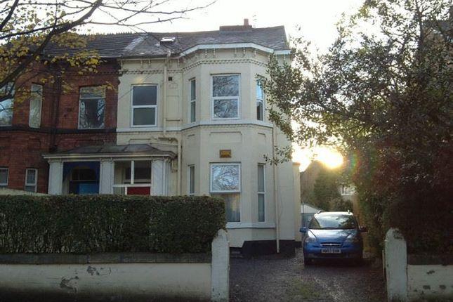 2 bed flat to rent in Queenston Road, West Didsbury, Didsbury, Manchester