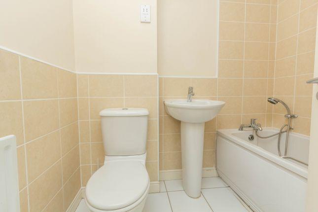 Bathroom of Chapman Road, Wellingborough NN8