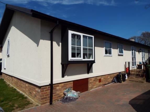Thumbnail Mobile/park home for sale in Friars Close, Pilgrims Retreat, Harrietsham, Maidstone