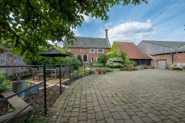 Thumbnail Barn conversion for sale in Sustead, Norwich