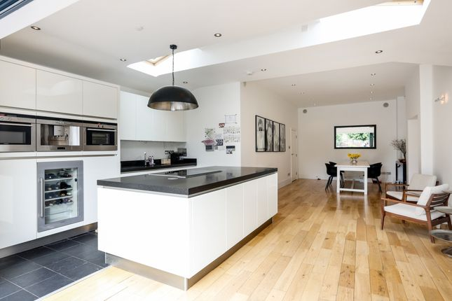 Thumbnail Terraced house to rent in Kew Road, Richmond