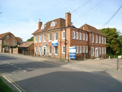 Office to let in Swan Street, Kingsclere, Hampshire