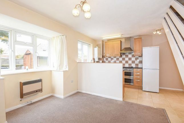 Property to rent in Warwick Court, Bicester