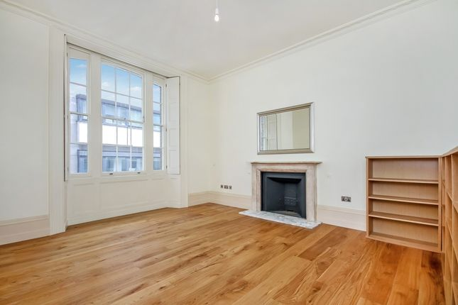2 bed flat to rent in St Mary At Hill, London EC3R