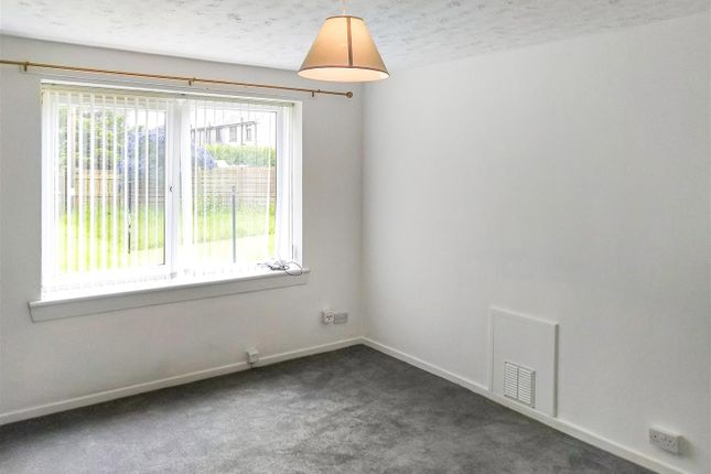 Lounge of Mastrick Road, Aberdeen AB16