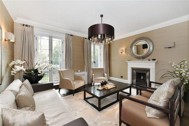 Thumbnail Town house to rent in Brompton Square, Knightsbridge, Knightsbridge, London