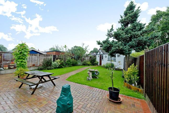 3 bed detached bungalow for sale in The Warren, Worcester Park