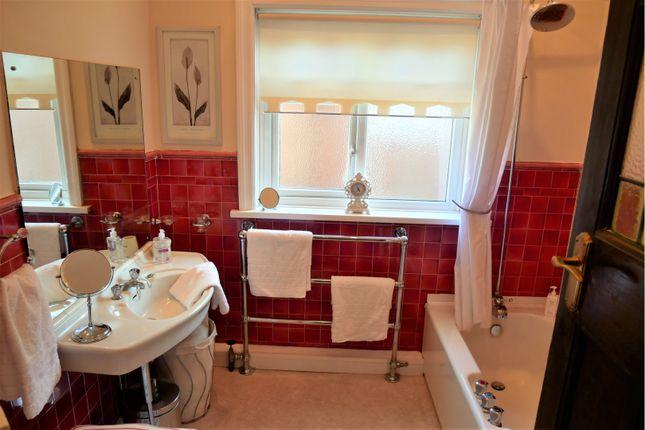 Bathroom of King George Road, South Shields NE34