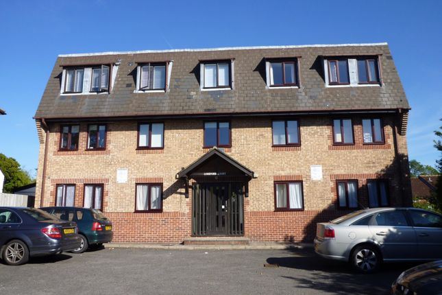 Thumbnail Flat to rent in Longford Court, London Road, Dunton Green