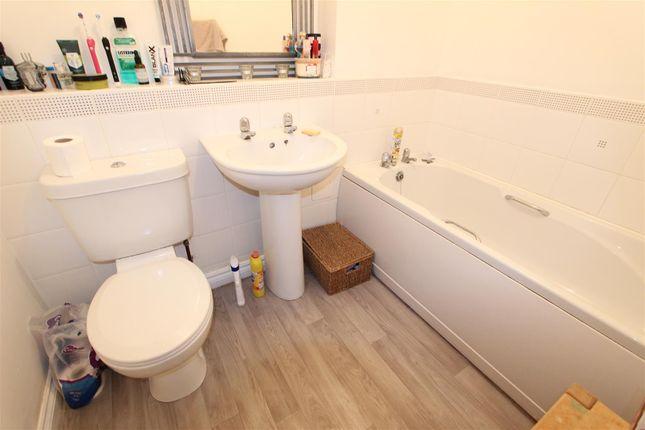 Bathroom of Rymers Court, Darlington DL1