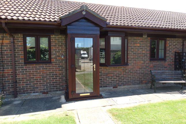 Thumbnail Bungalow to rent in Manor Way, Elmer, Bognor Regis