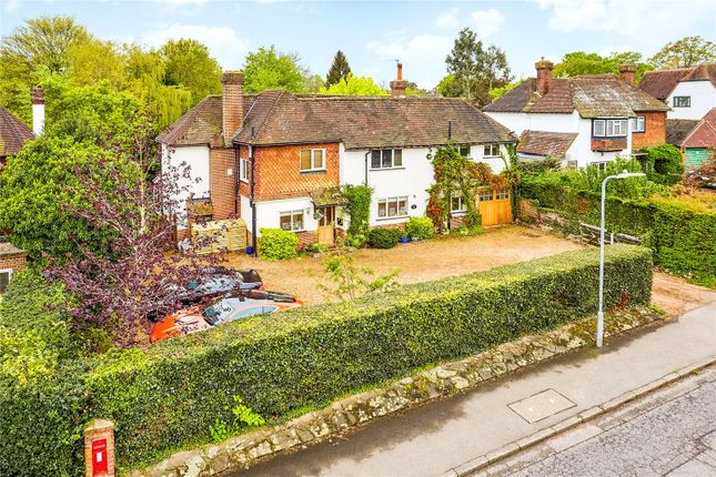 Thumbnail Detached house for sale in Yardley Park Road, Tonbridge, Kent