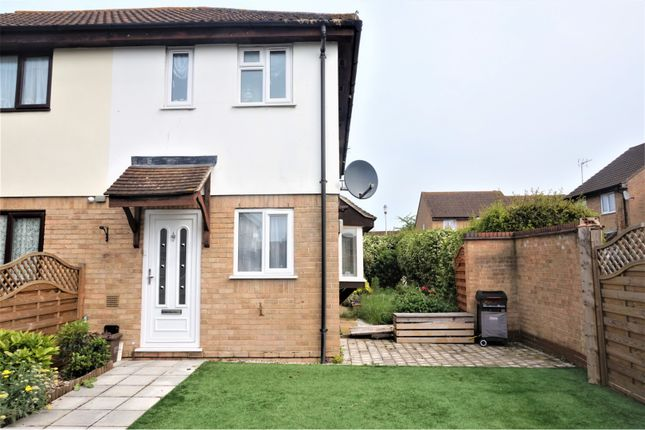 Thumbnail Terraced house for sale in Jacksons Drive, Cheshunt
