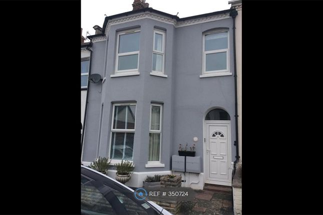Thumbnail Flat to rent in Raleigh Road, Exmouth. Devon