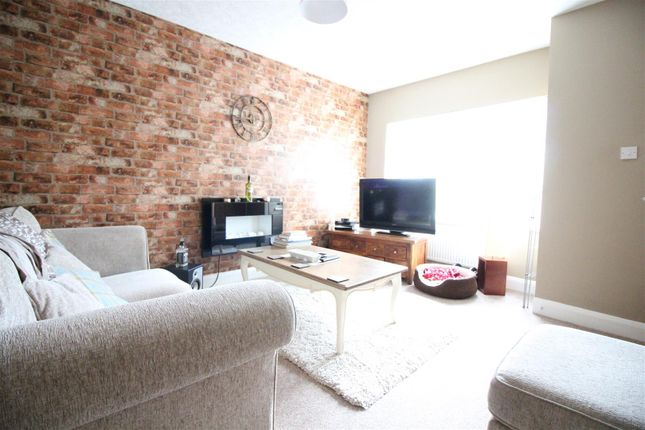 Thumbnail Terraced house to rent in Coronation Road South, Hull