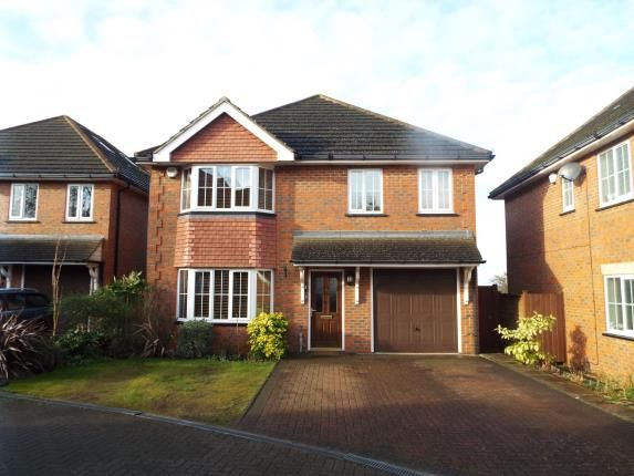 Thumbnail Detached house for sale in Hatherley Chase, Luton, Bedfordshire
