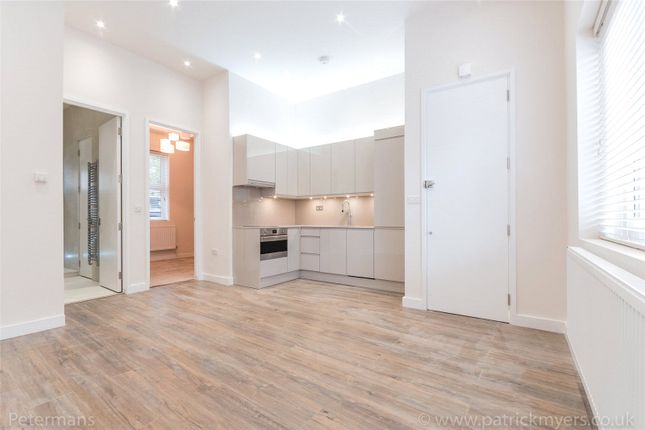 Thumbnail Property for sale in Paxton Place, London