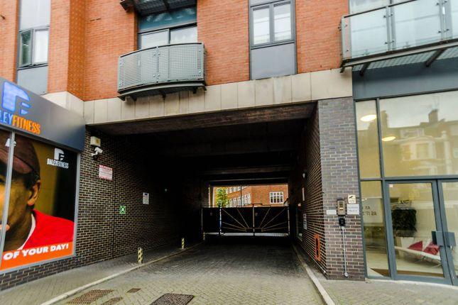 Parking/garage to rent in Upper Richmond Road, Putney