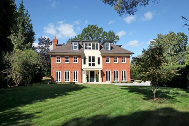 Thumbnail Detached house to rent in Windsor Road, Ascot
