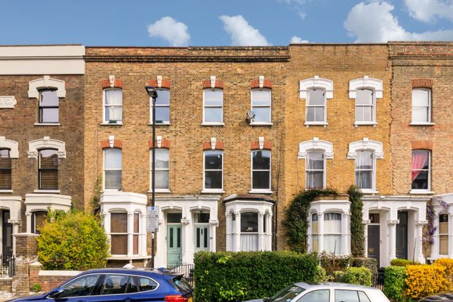 Flat for sale in Pyrland Road, London