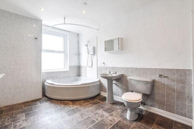 Bathroom of South William Street, Workington CA14