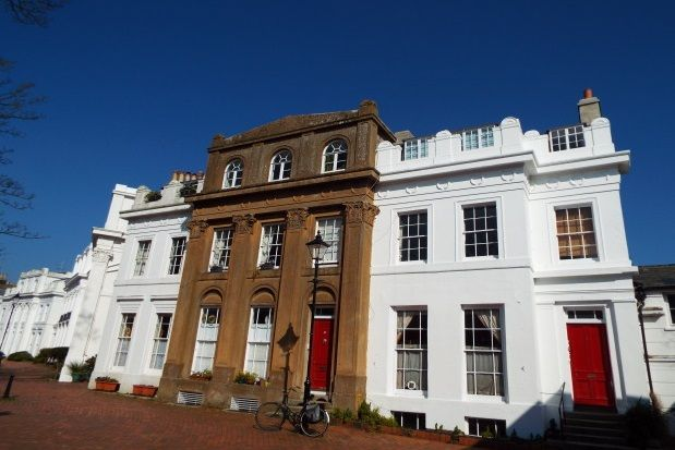 Thumbnail Flat to rent in Norfolk Court, Victoria Park Gardens, Worthing